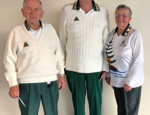Successful bowlers at recent Tuross  Triples Tournament